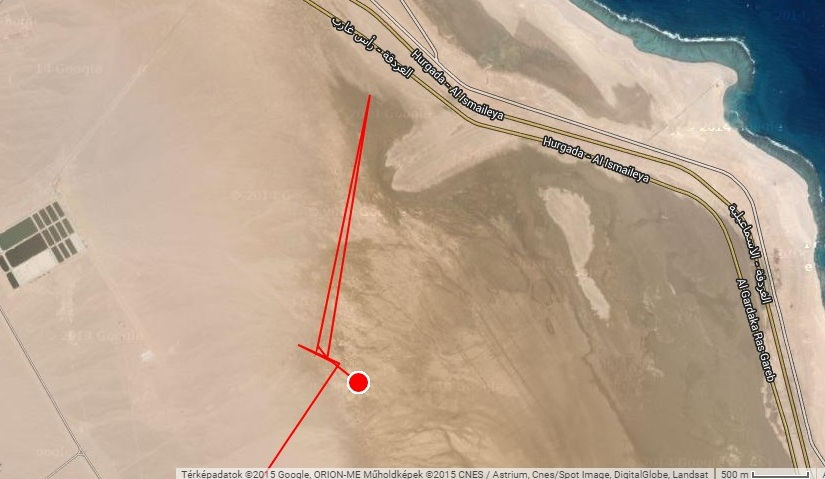 Veca két napja vár a Vörös-tenger partján kedvező szélre az átkeléshez (forrás: satellitetracking.eu)